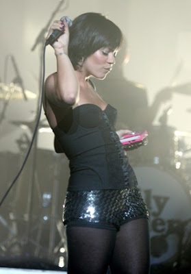 lily allen live picture set list