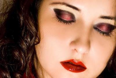 Amor Mio (Idine y Nick)  Emi+rojo+y+negro+(1)blog