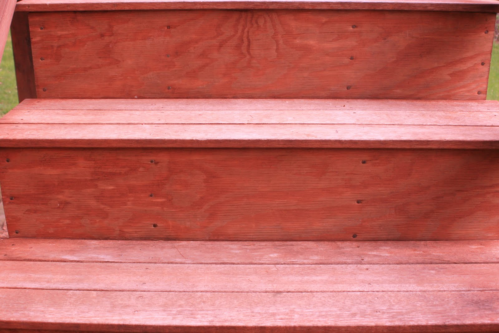 cleaned and stained the back deck stairs this weekend (I'm not a