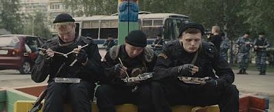 Кадр из фильма, выстрел из гранатомета.