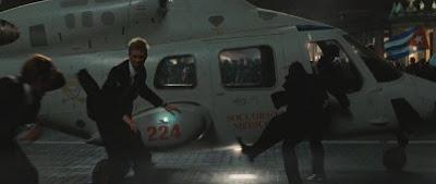 Скриншот из фильма Ангелы и Демоны. Вертолет BELL 430.