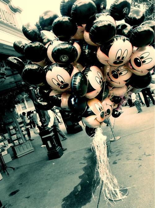 http://2.bp.blogspot.com/_X643PcxIPVk/SwWd4igs-EI/AAAAAAAAeEY/DR0QBF46lOo/s1600/Mickey.jpg