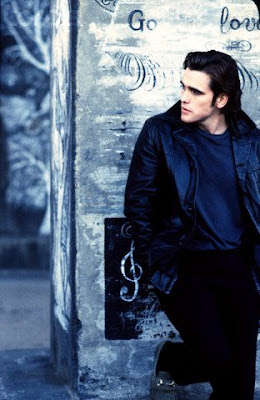 "drugstore cowboy essay Part 2 of an essay analyzing van sant's sophomoric bliss read part i a comedy of the absurd, with visual touches of expressionism and tonal notes of surrealism, ""drugstore cowboy"" is humorous rather than grim, as it could."