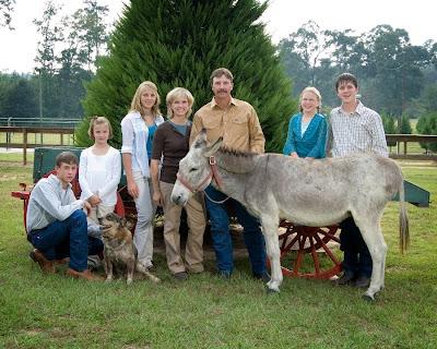 grant christmas tree farm owners mollie and gray anderson with family - Christmas Tree Farm Louisiana