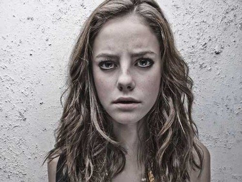 Emma Stone look alike Kaya Scodelario teencelebbuzzblogspotcom