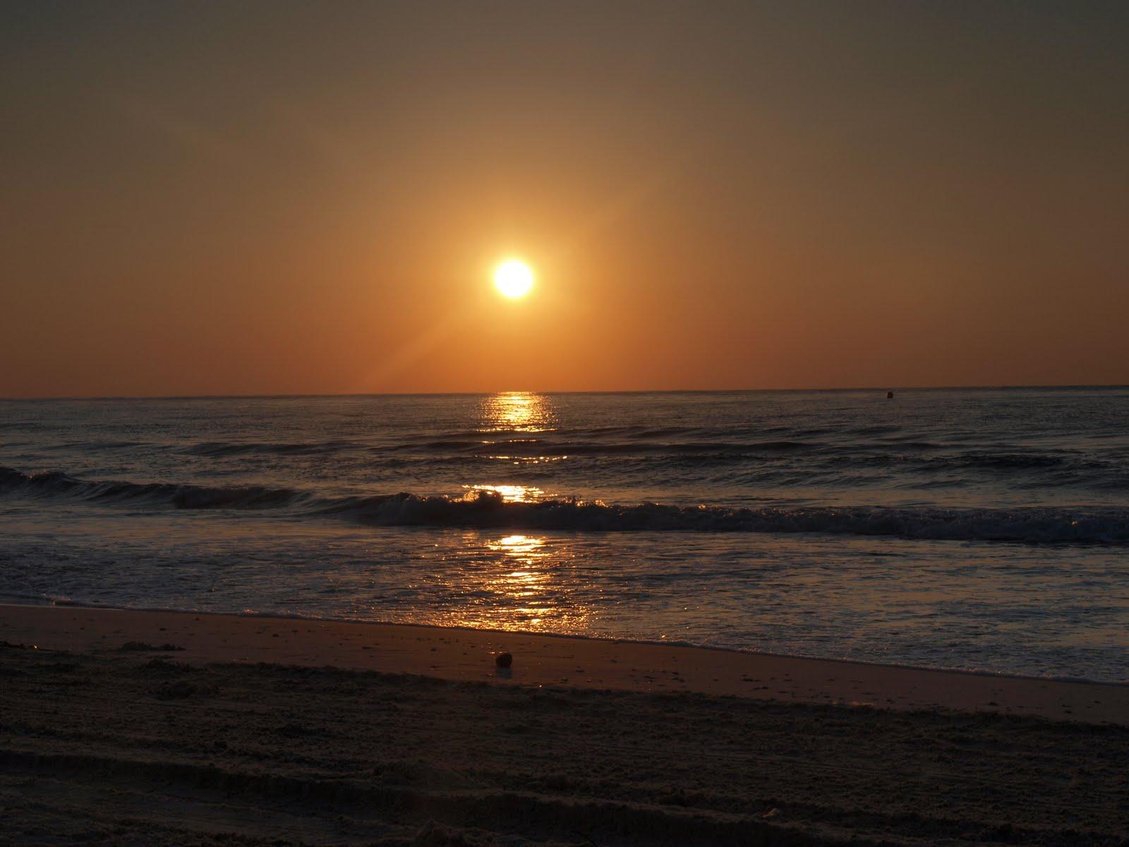 http://2.bp.blogspot.com/_X7cq0i0IwXc/TQAe7USu6eI/AAAAAAAAEvU/IF2Hp0txKEA/s1600/sunset.JPG