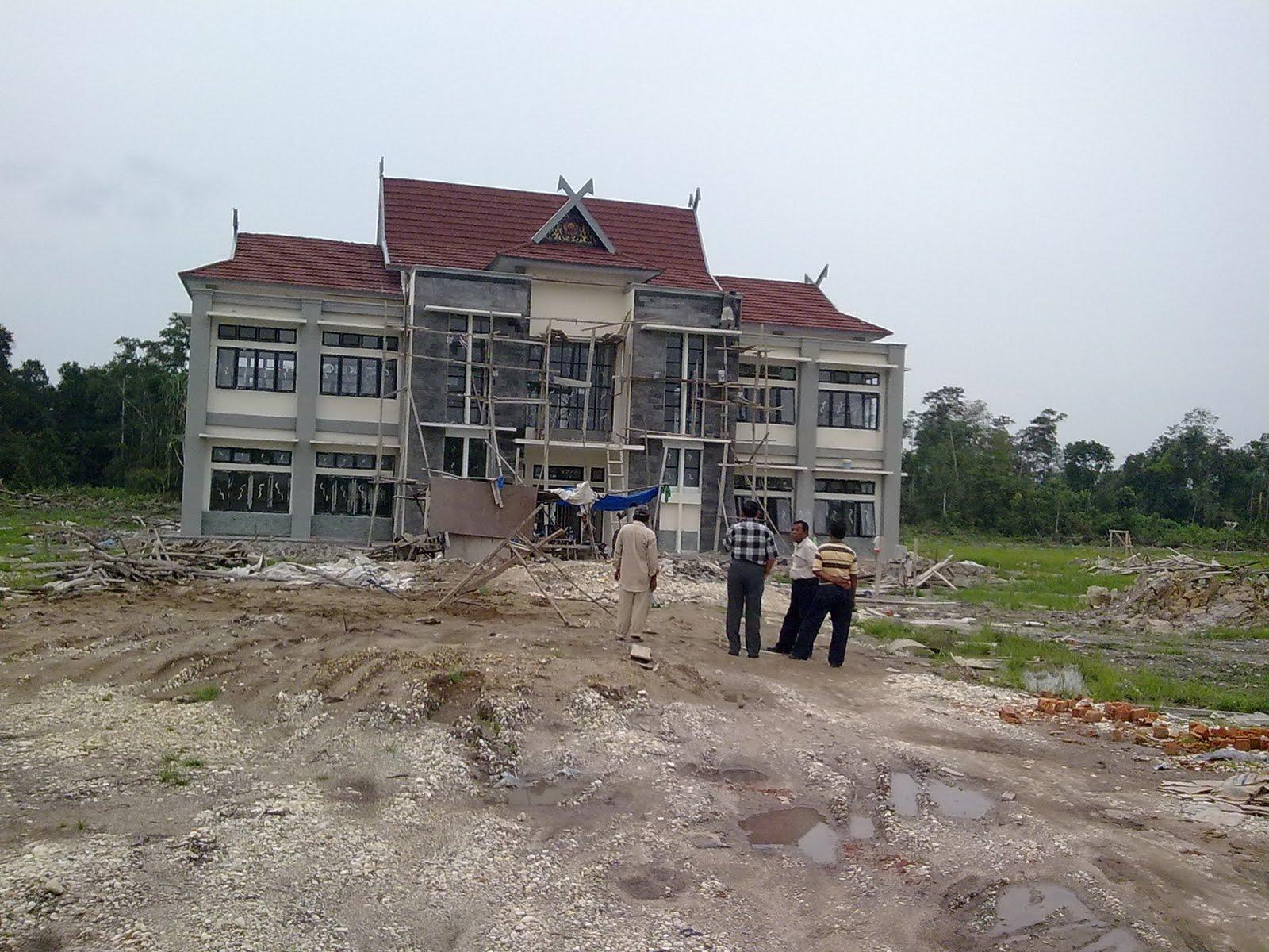 Pour lutter contre la surpopulation des prisons, de nouvelles structures sont construites dans tout l'archipel, comme ici dans la province de Jambi, à Sumatra (www.lapasbangko.co.cc).