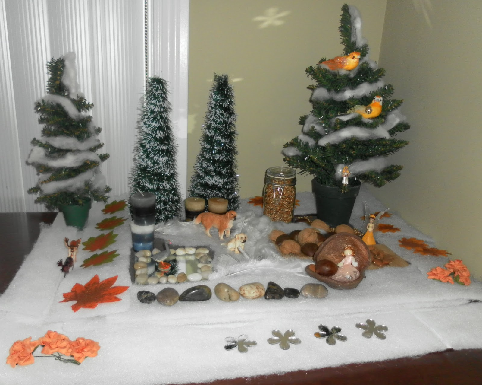 Winter Nature Table - Waldorf nature table