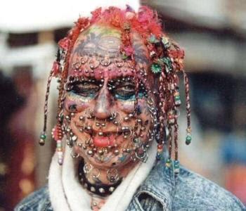 http://2.bp.blogspot.com/_XAWRh-cWdds/SamkGva0EYI/AAAAAAAAA9I/tVnx3FZtNmg/s400/weird-piercings-is-this-the-strangest-ever.jpg