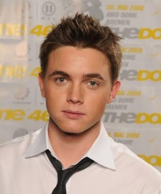Short men's hairstyle from Jesse McCartney. This is a conservative style for