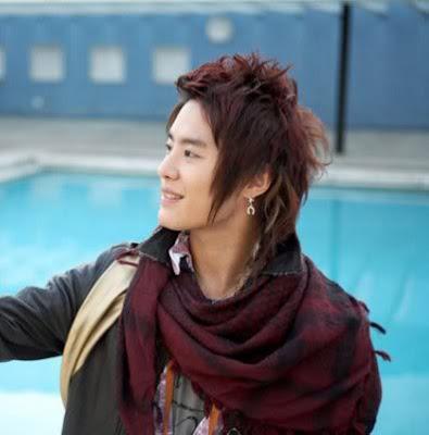 Kim JunSu, Asia's promising pop star sports his latest hairdo for short hair