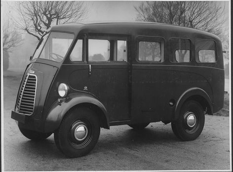 "Original Factory Picture of a ""Double Six"" Van."