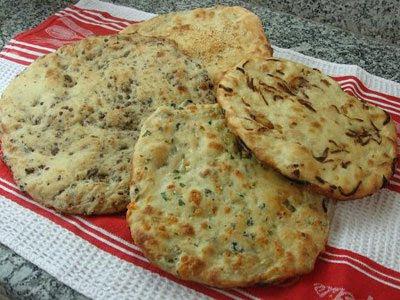 طريقة عمل خبز التنور باللحم والجبن