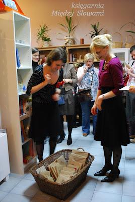 Relacja z otwarcia księgarni