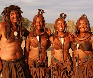 Filles tribales africaines nues
