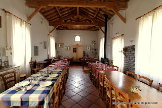 Inside restaurant Jardin de Violette in Lencouacq