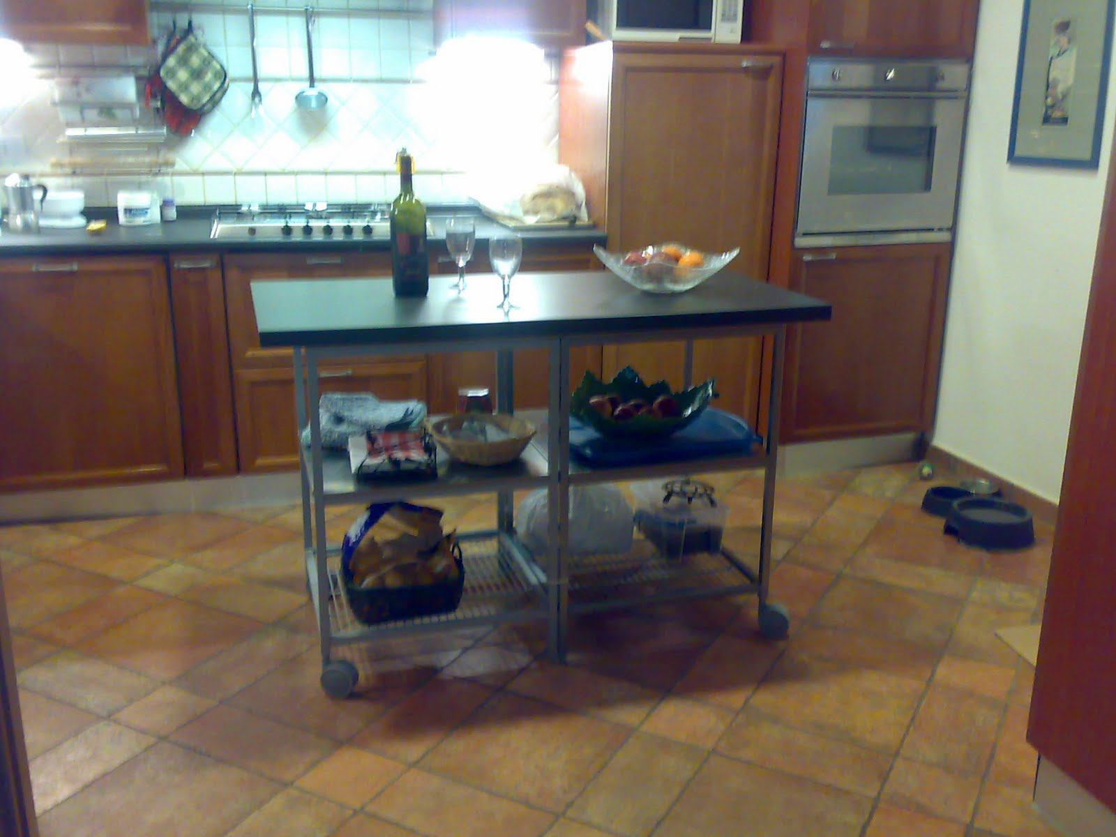 IKEA Hackers: Simple kitchen island