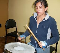Estudiando tambor