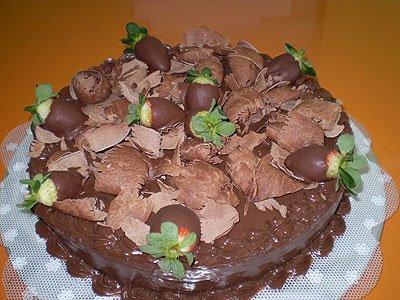 Bolo de chocolate c/ morango
