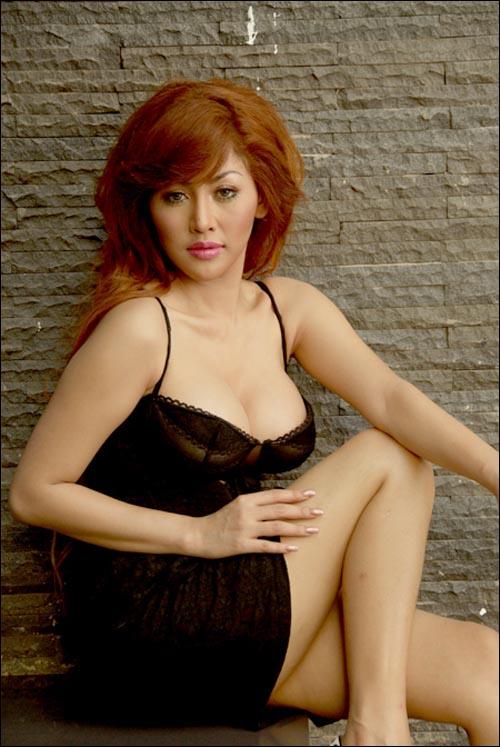 Hot indonesian singer celeb artis indo goyang hot 7