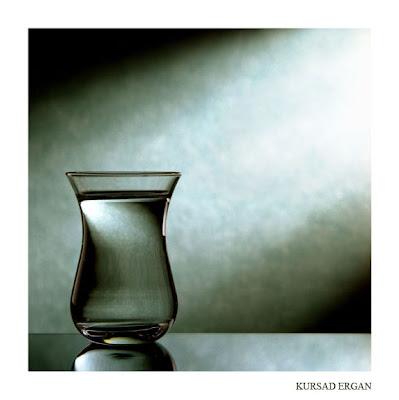 http://2.bp.blogspot.com/_XKWWaWsWEbM/TNACzoK-ifI/AAAAAAAAAFk/bQ24TlIYI5Y/s400/glass_by_kursad.jpg