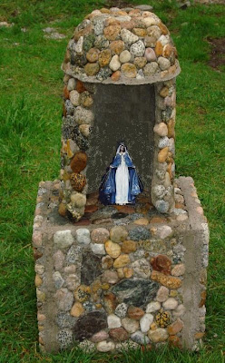 Adornos en piedra r stica para jardines - Baneras de piedra ...