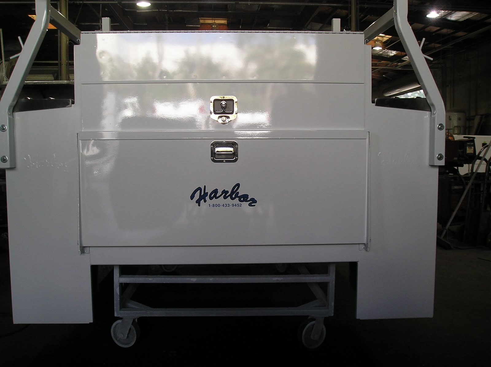 Service Body Tailgate : Harbor truck bodies service body tailgate options