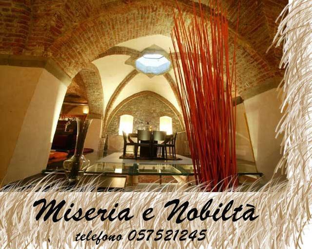 Miseria e Nobiltà - Arezzo