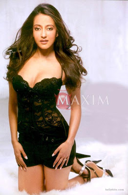 Sen Sizzles on Maxim Mag | Very Hot Bollywood - Sexy Indian ...