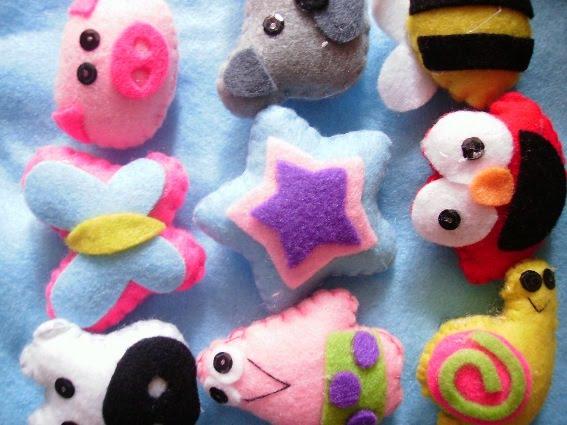 kain flanel atau felt adalah jenis kain yang dibuat dari serat wol ...