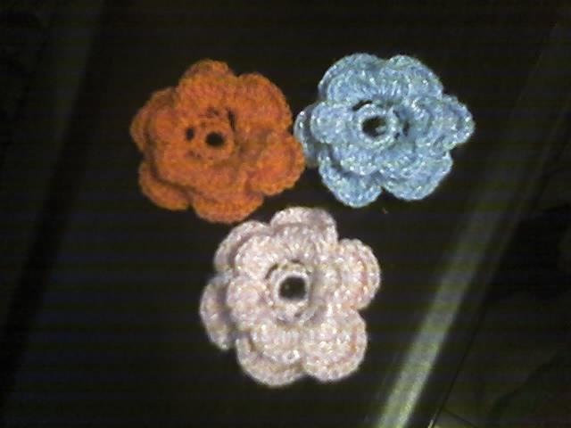 Broche e Tic tac com Flores de Croche.