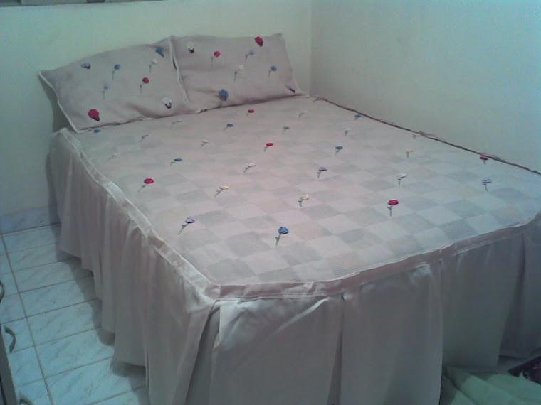 Colcha de cama Bordada