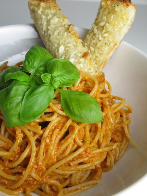... and Error: pasta with tomato almond pesto & homemade garlic bread