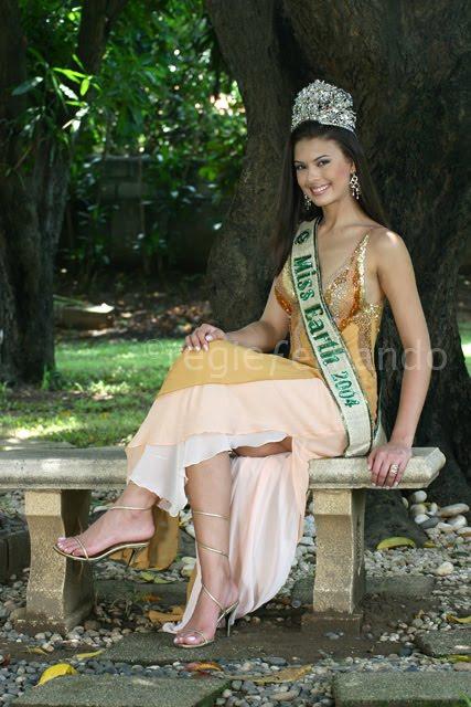 ⊰✿• .¸¸.⊰ Galeria de Priscilla Meirelles, Miss Earth 2004.⊰✿• .¸¸.⊰  - Página 5 Priscilla+meirelles+miss+earth+2004+-15