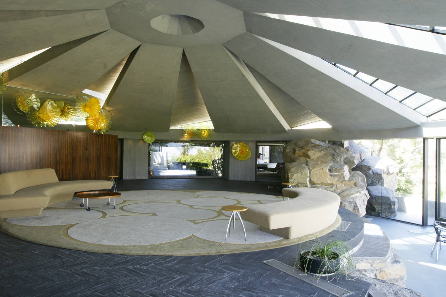 The blinders elrod house palm springs ca for What s an interior designer
