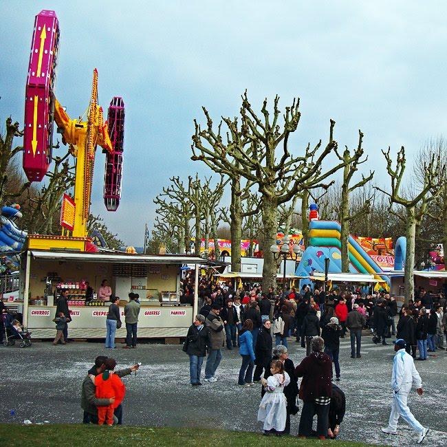 Le carnaval de Périgueux - la fête foraine sur l'Allée de Tourny