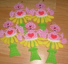 hormiguitas en flor
