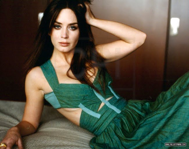 emily blunt green with underboob