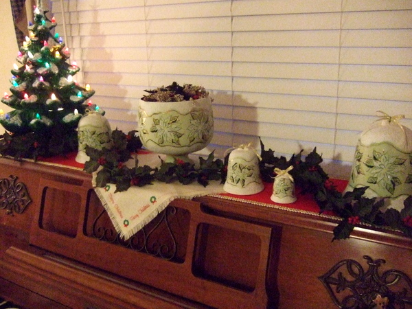 Gramma S Little Corner Ornaments Day 13 And Treasures On Thursday