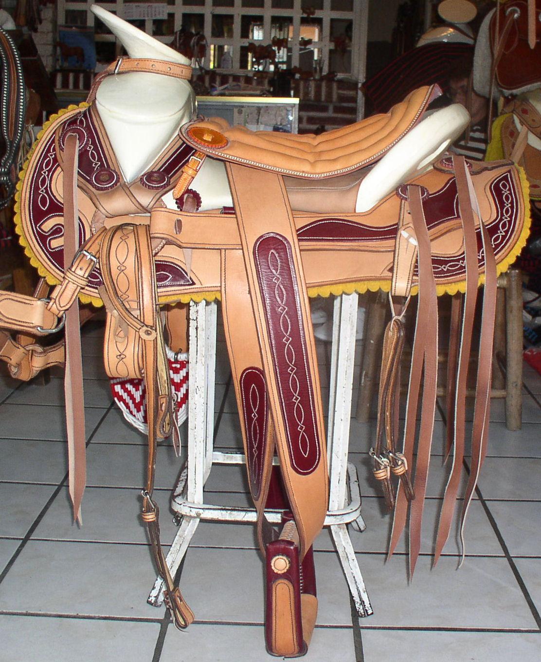 Remate montura mexicana | La Regional