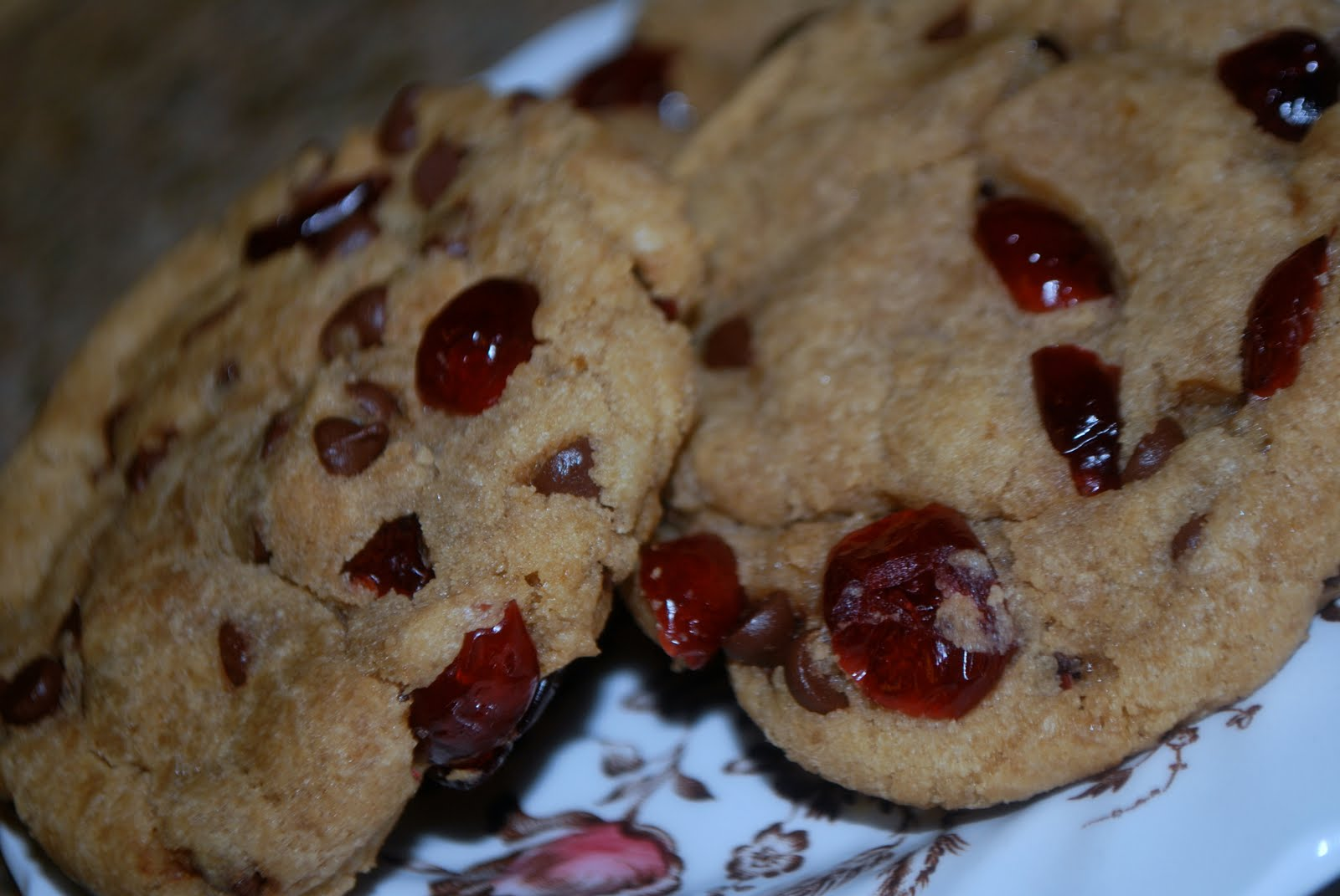 ... Fashionable: In The Kitchen: Chewy Cranberry Chocolate Chip Cookies