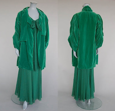 Jeanne Lanvin 1930 velvet dress@marielscastle.blogspot.com