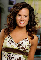 Elizabeth Reaser of The Ex List