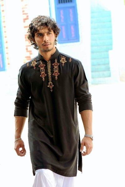 5031 115679315451 603070451 2912780 3606921 n - Munib Nawaz's Kurta Collection for Men