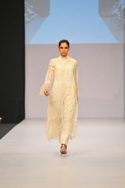 12834 169049357100 515807100 3298352 1378446 n - SANAM CHAUDHRY collection
