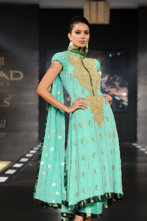 29440 397095849753 515754753 3962167 2635719 n - Faiza Sami n Nomi Ansari Collection