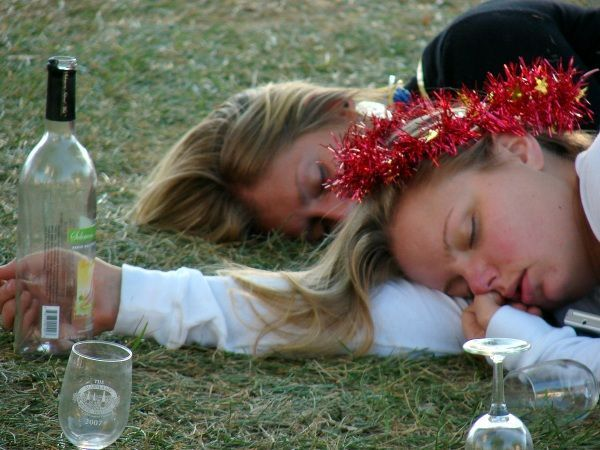 Passed Out Drunk Girls Pictures31