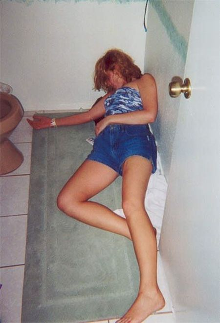Passed Out Drunk Girls Pictures13