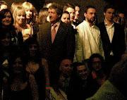 Ángel G. Perianes, al extremo derecha de la foto. Periodista, en el día de su graduación