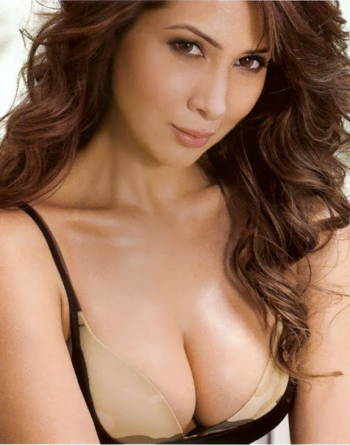 Kim Sharma  Hottest Photo Shoot